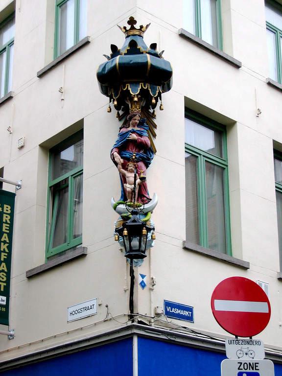 Esquinas decoradas en Amberes