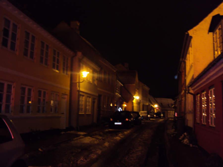 Calle de Faaborg de noche