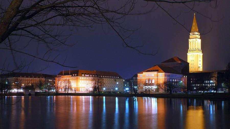 La ciudad de Kiel de noche