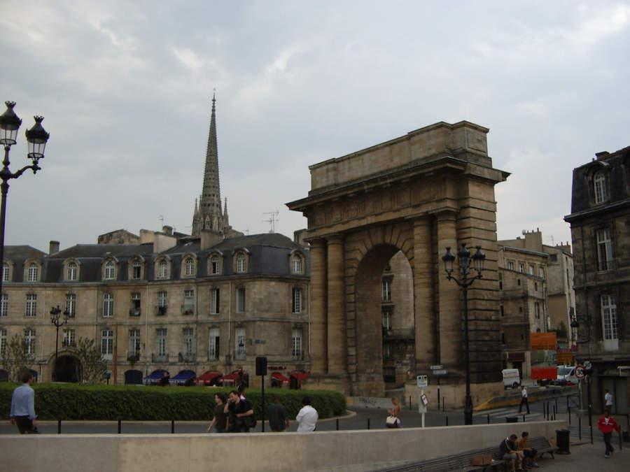 Porte de Bourgogne, monumento en la ciudad de Burdeos