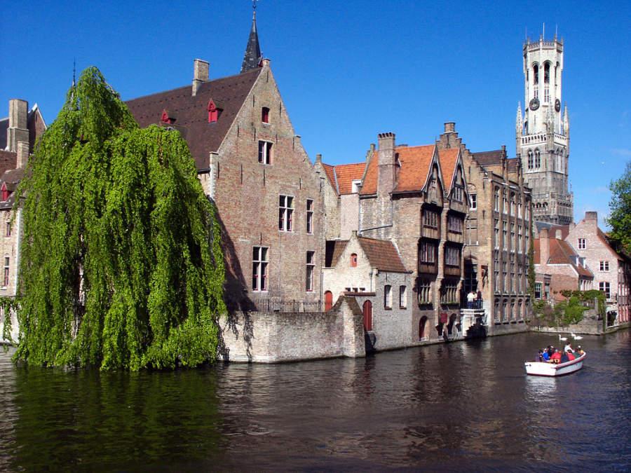 Rozenhoedkaai, canal en Brujas