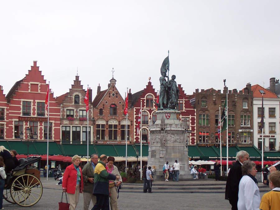 Escultura en Grote Markt