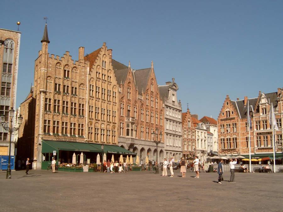 Grote Markt, plaza central en Brujas