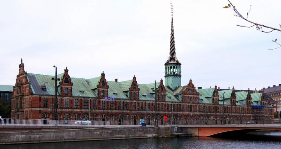 Børsen, famoso edificio en el centro de Copenhague