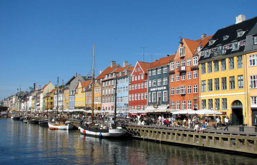Nyhavn, famoso distrito en Copenhage