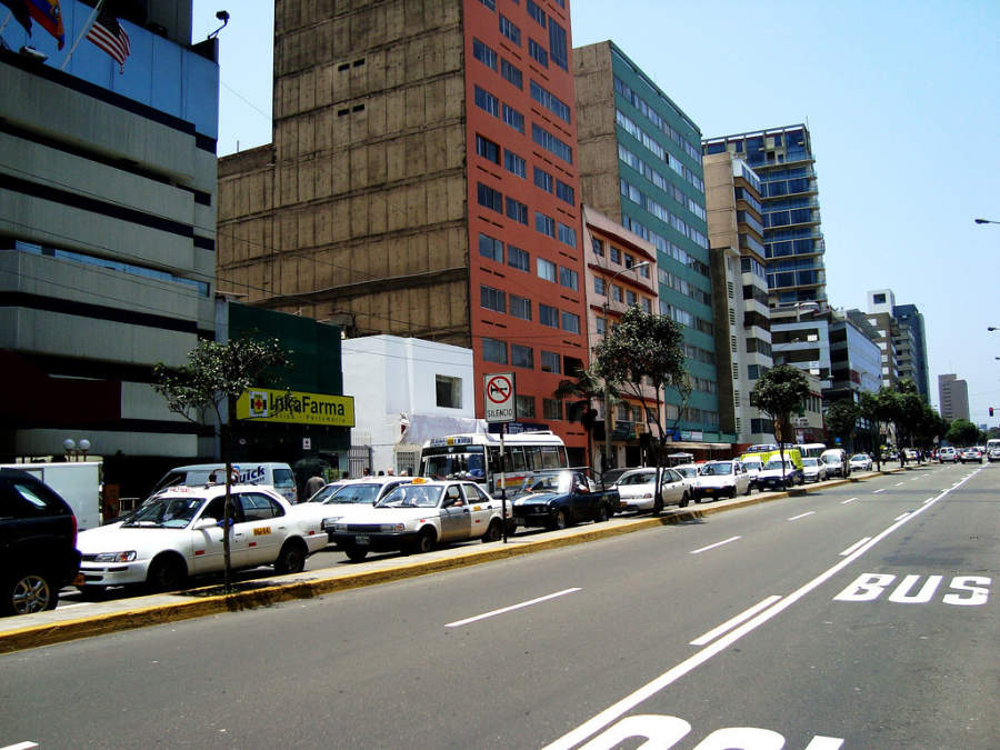 Importante avenida en el centro de Lima