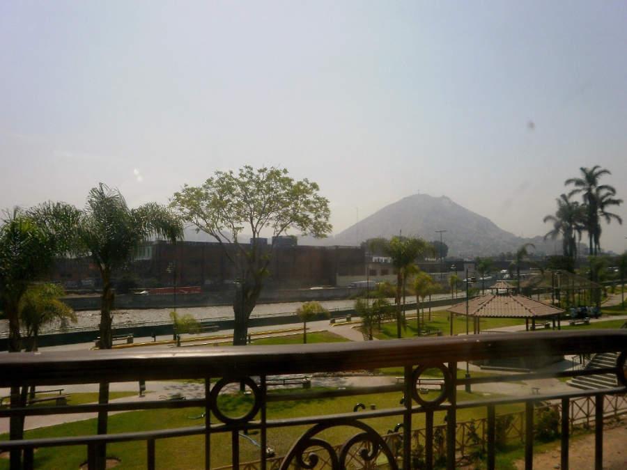 Río Rímac y el cerro San Cristóbal