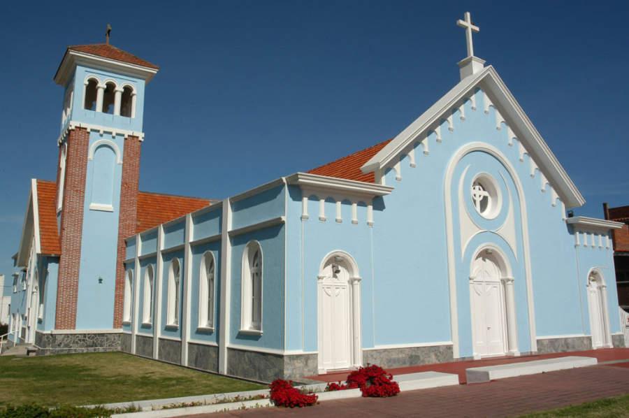 La Iglesia de la Candelaria fue construida en 1941 en Punta del Este