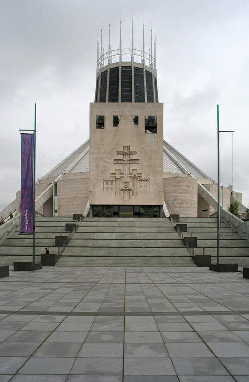 Metropolitan Cathedral of Christ the King, catedral de estilo moderno en Liverpool