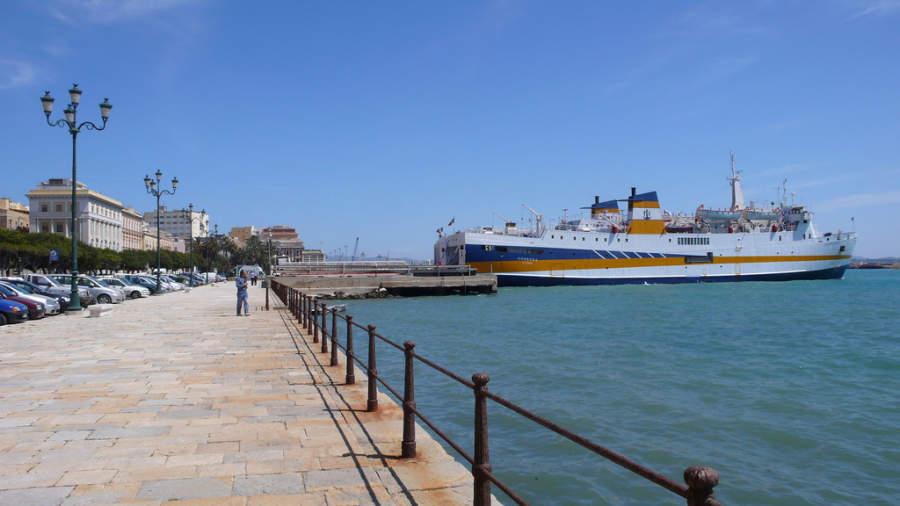 Malecón en el puerto de Trapani