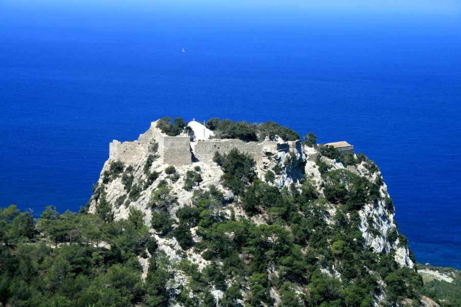 Antigua fortaleza en la ciudad de Rodas