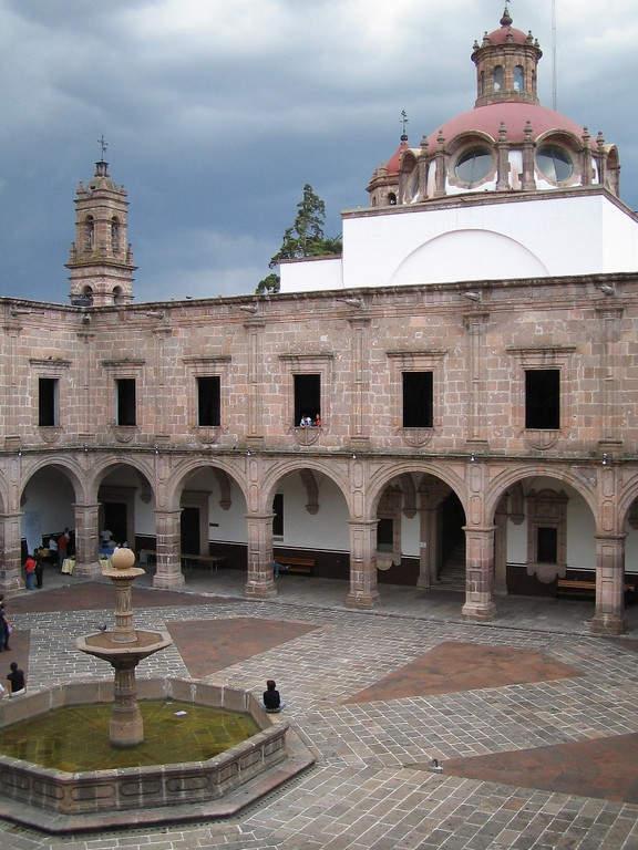 Palacio Clavijero en Morelia