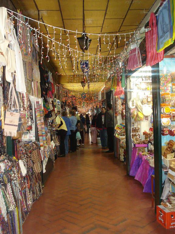 Mercado de Dulces y Artesanías en Morelia