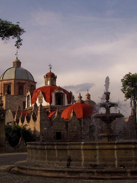 Templo y Exconvento de El Carmen en Morelia