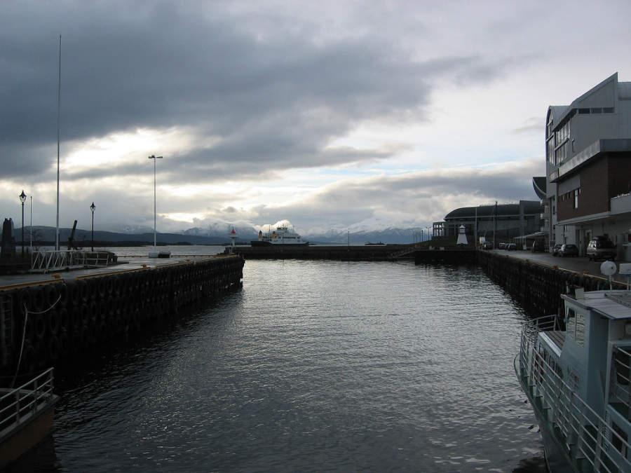 Puerto y muelle de Molde