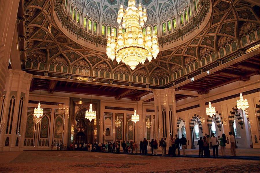 Interior de La Gran Mezquita del Sultán Qabus