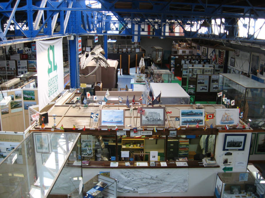 Musée maritime, fluvial et portuaire (Museo marítimo, fluvial y portuario)