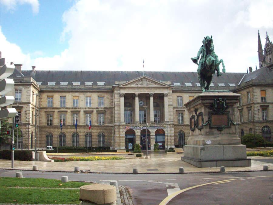 Ayuntamiento de Ruan, capital de la región de Alta Normandía