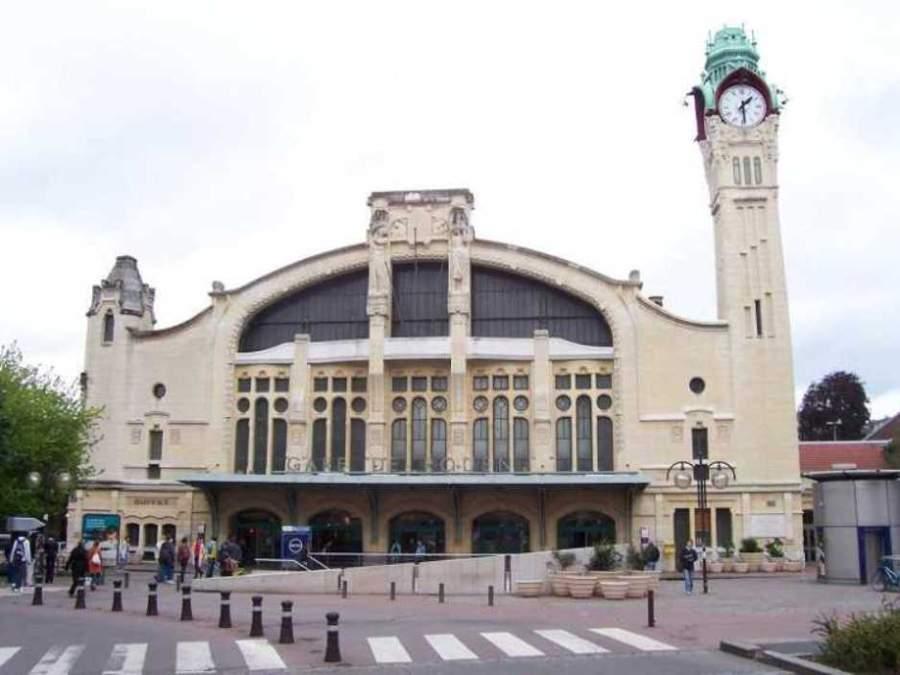 Estación de trenes en Ruan