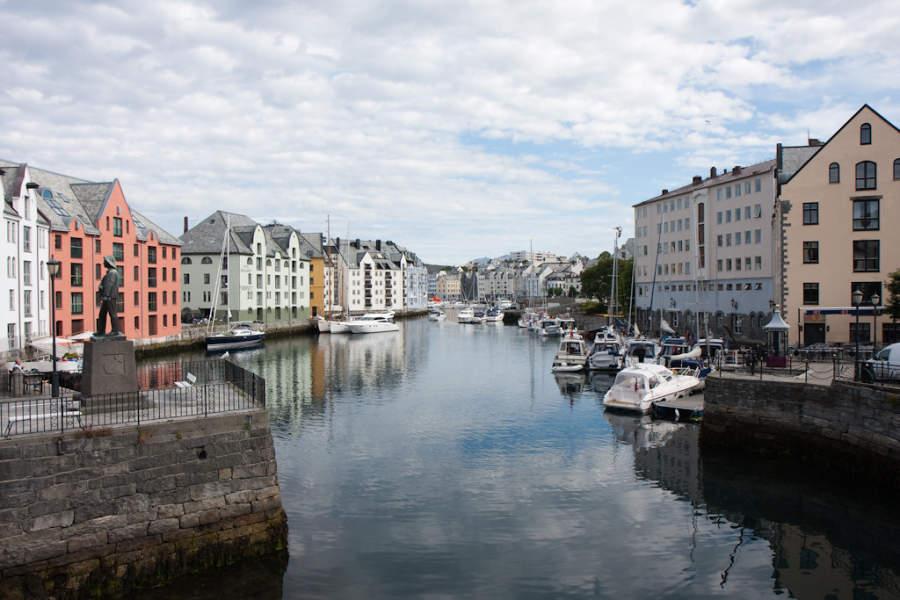 Canal de Ålesund