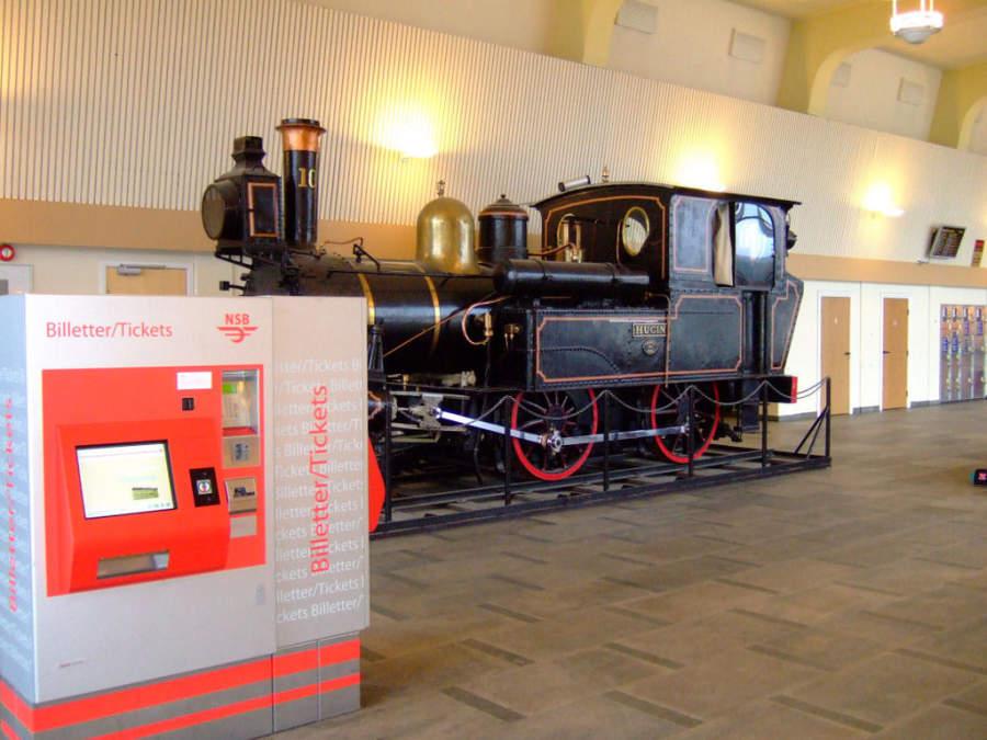 Interior de la estación de tren en Stavanger
