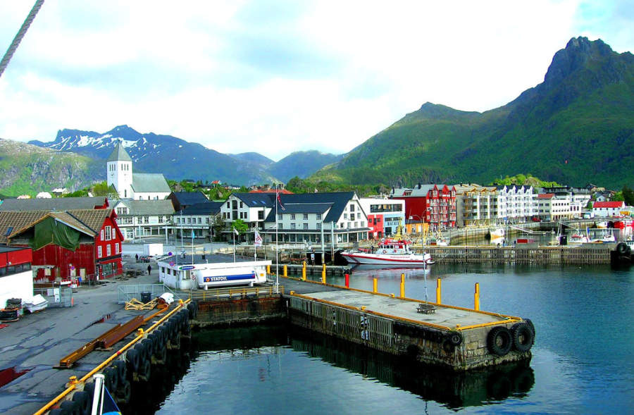 Muelle en el puerto de Svolvær