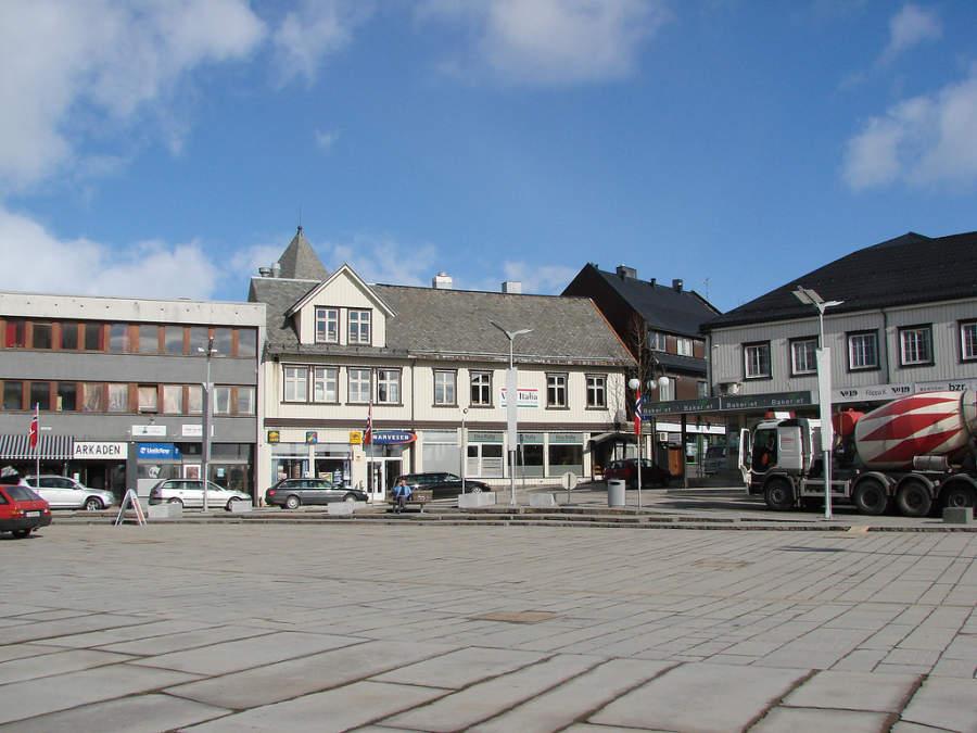 Área de tiendas en Svolvær