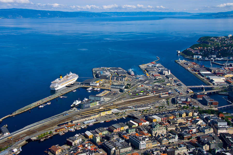 Amplio puerto en Trondheim