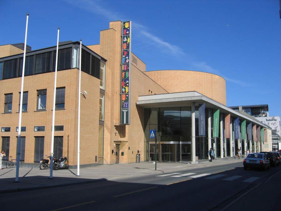 Trøndelag Teater, famoso teatro de moderna arquitectura