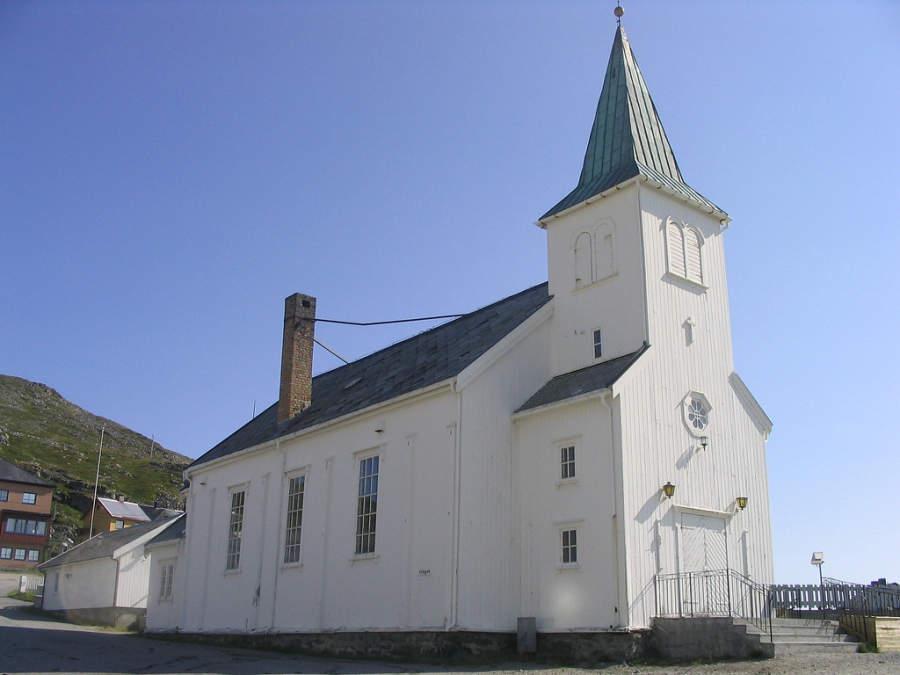 Iglesia en el poblado de Honningsvag