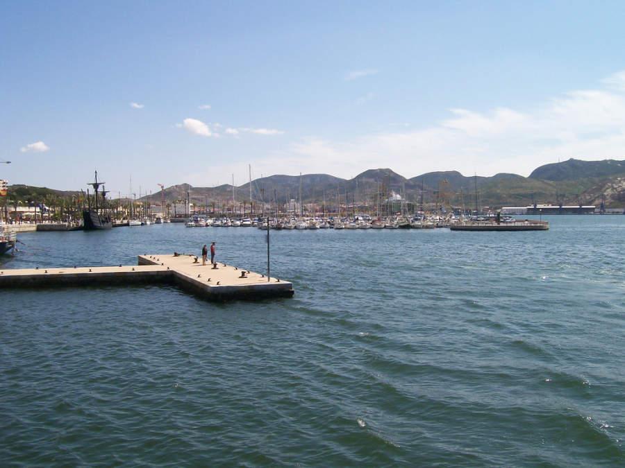 Muelle en el puerto de Cartagena