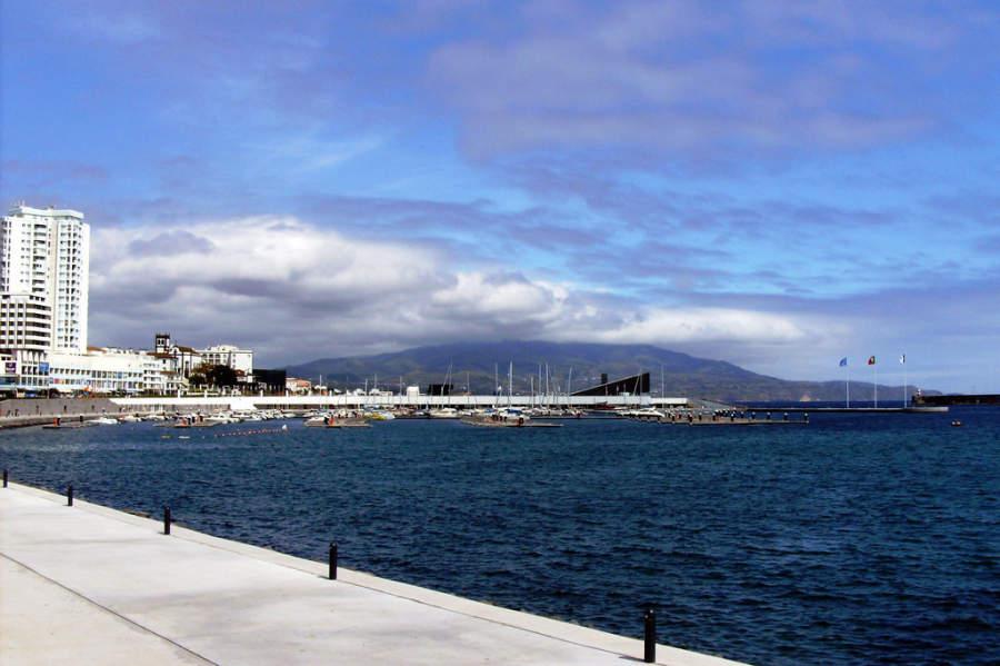 Malecón en Ponta Delgada