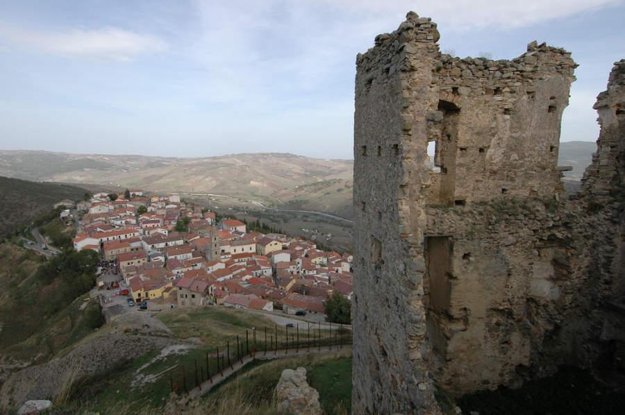 Brindisi y las ruinas del castillo