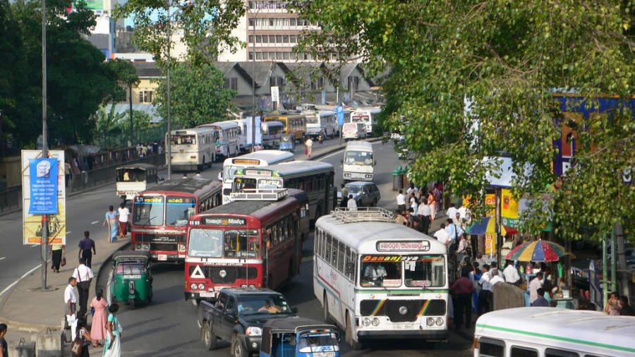 Calles de Colombo cerca de la central de autobuses