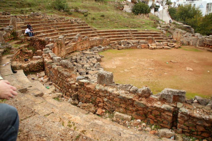 Ruinas de un teatro romano en Fethiye