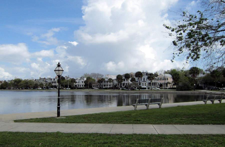 Lago Colonial en la ciudad de Charleston