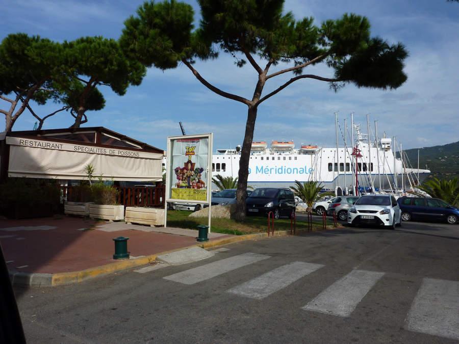 Zona del embarcadero en Propriano