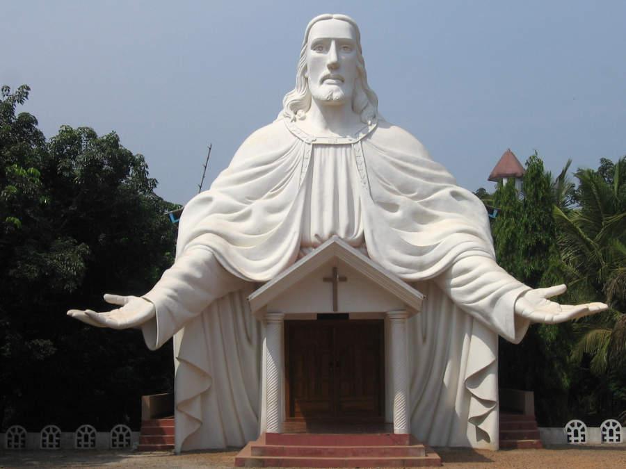 Iglesia local camino a Mangalore