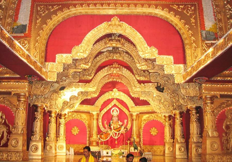 Interior del templo Gokarnanatheshwara