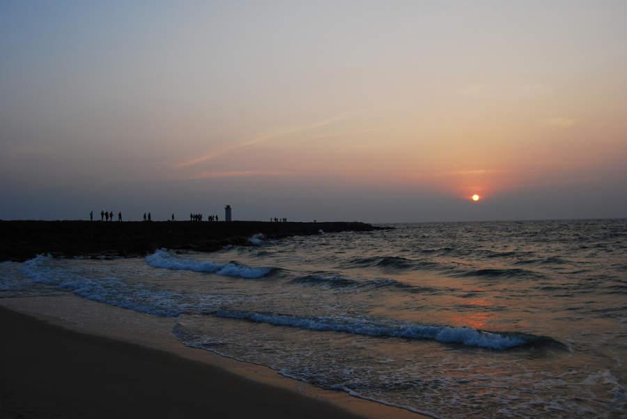 Atardecer en la playa de Mangalore