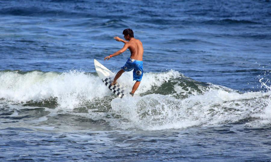 Honoli'i Beach Park en Hilo es ideal para practicar surf