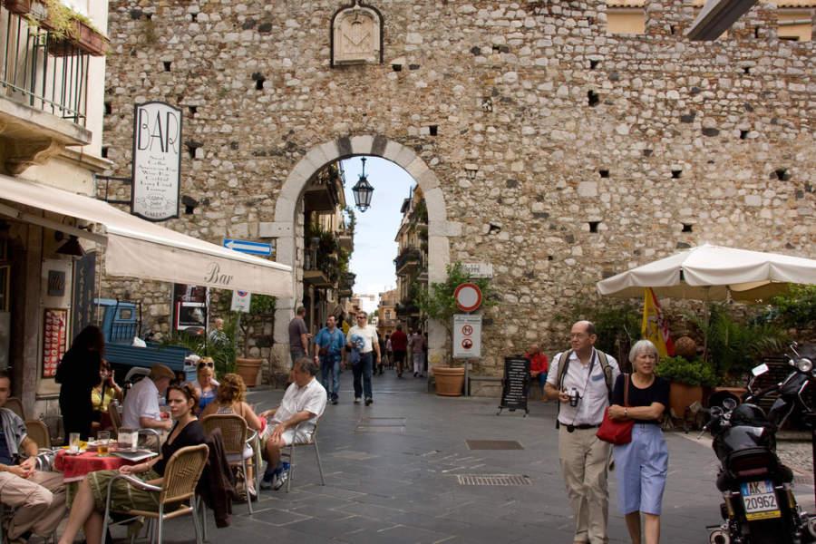 Porta Catania en Taormina
