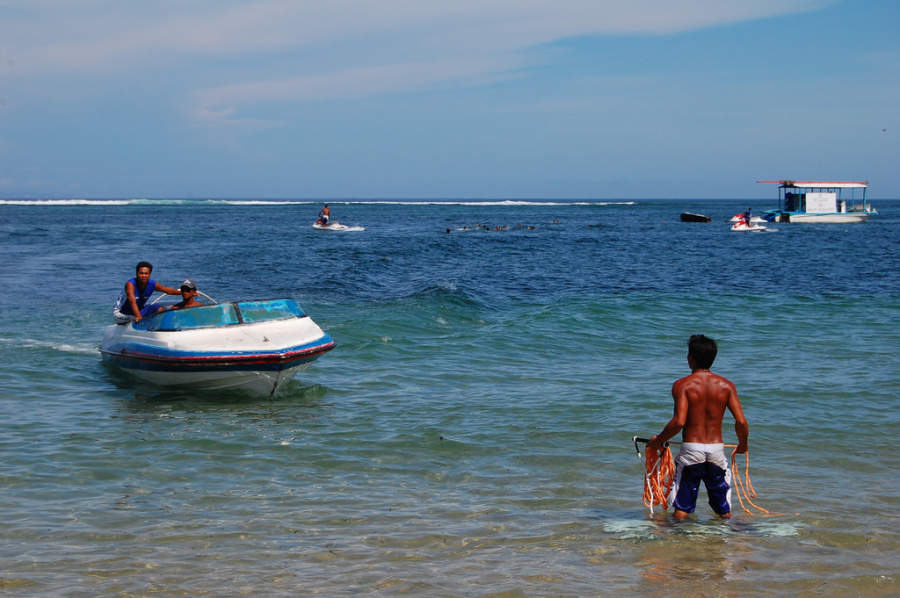 Pescadores locales en Benoa