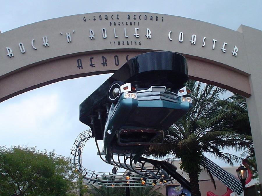 Siéntete una estrella de rock en Rock 'n Roller Coaster con Aerosmith