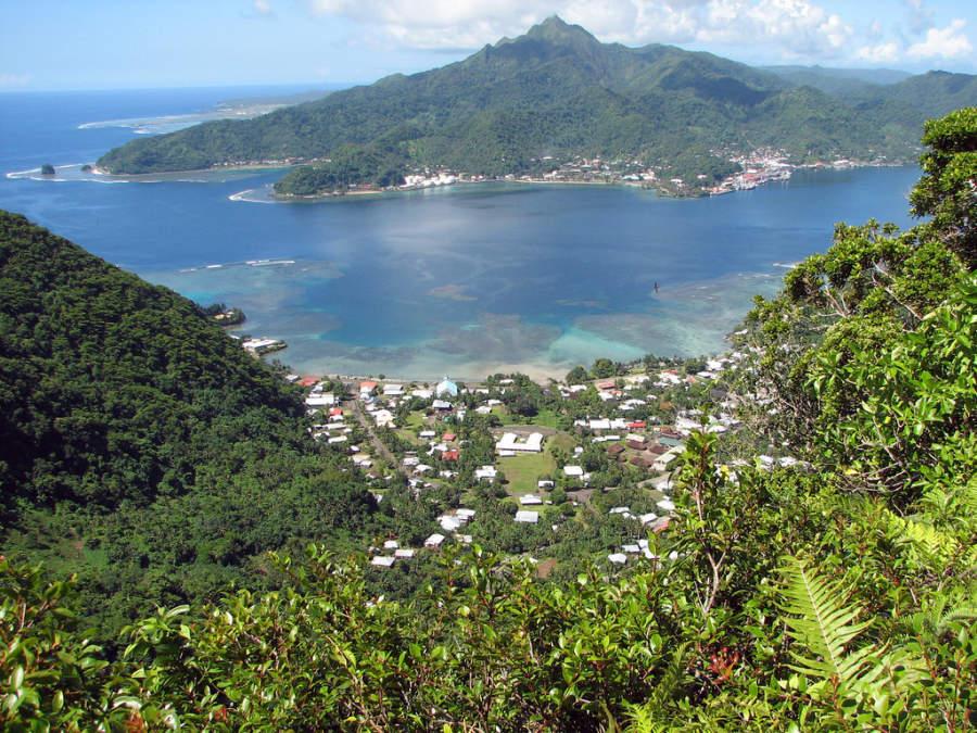 Vista panorámica del puerto de Pago Pago en la isla de Tutuila