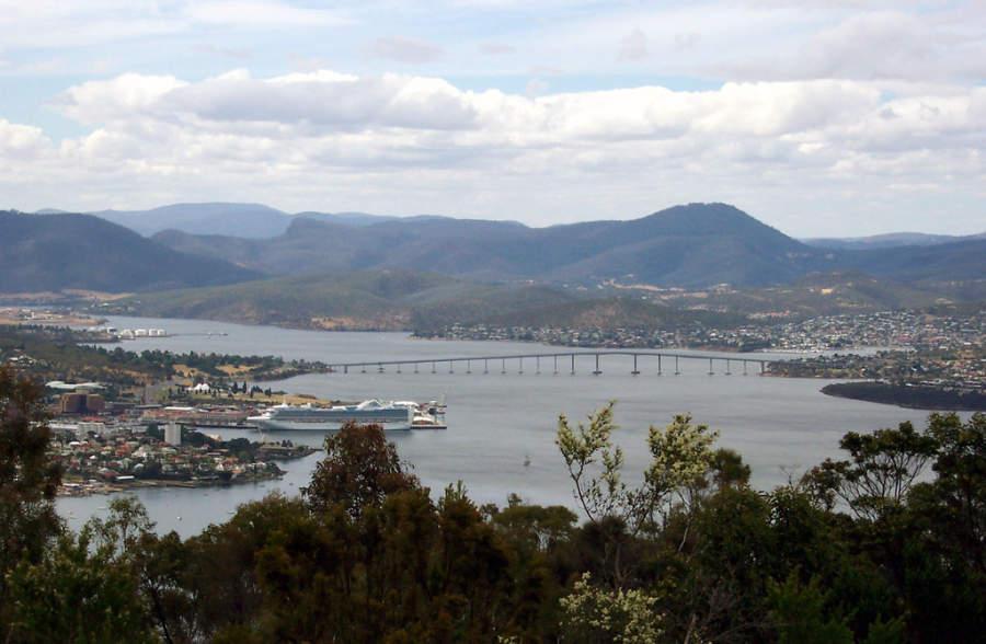 Hobart se ubica en el estuario del río Derwent