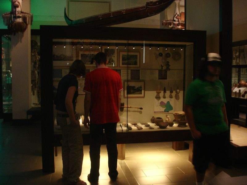 Interior del famoso museo Auckland Museum