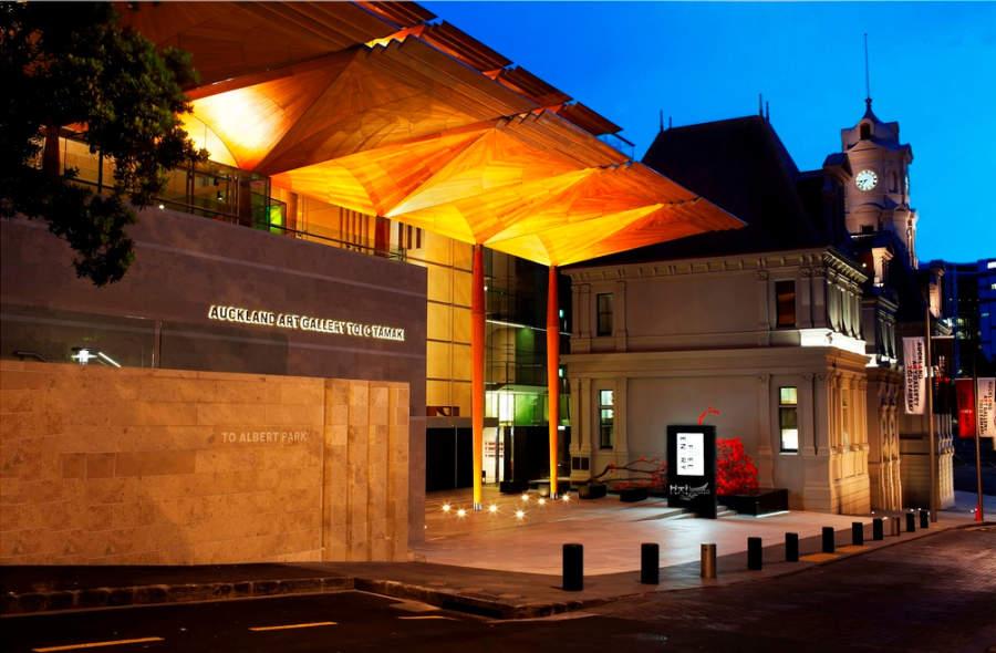 Auckland Art Gallery Toi o Tamaki, famosa galería con más de 15,000 obras
