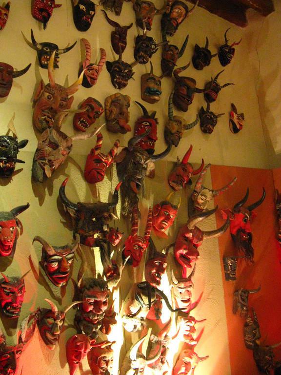Colección de máscaras en el Museo Rafael Coronel en Zacatecas