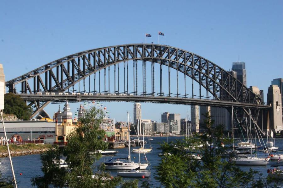 Sydney Harbour Bridge, famoso puente en la bahía de Sídney